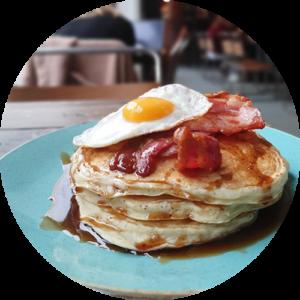 pancakes bacon & egg1